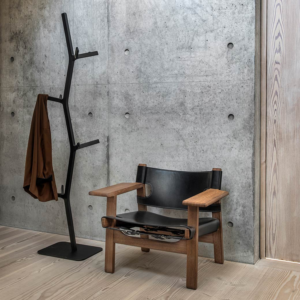 Blog image Design Icon | The Spanish Chair Olson and Baker - Designer & Contemporary Sofas, Furniture - Olson and Baker showcases original designs from authentic, designer brands. Buy contemporary furniture, lighting, storage, sofas & chairs at Olson + Baker.