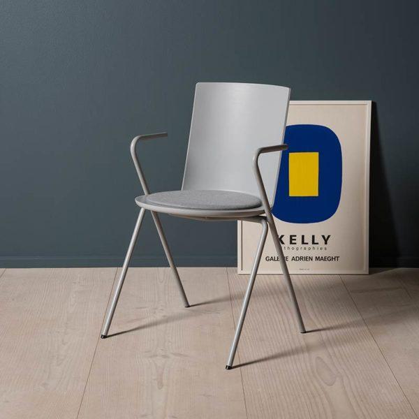 Acme Chair A-Base Armchair