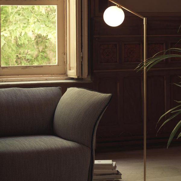 Endo Floor Lamp in Matt Gold