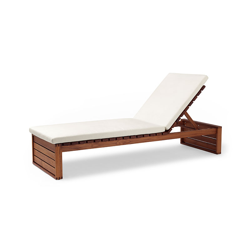 Carl Hansen BK14 Outdoor Sun Lounger by Bodil Kjær Olson and Baker - Designer & Contemporary Sofas, Furniture - Olson and Baker showcases original designs from authentic, designer brands. Buy contemporary furniture, lighting, storage, sofas & chairs at Olson + Baker.