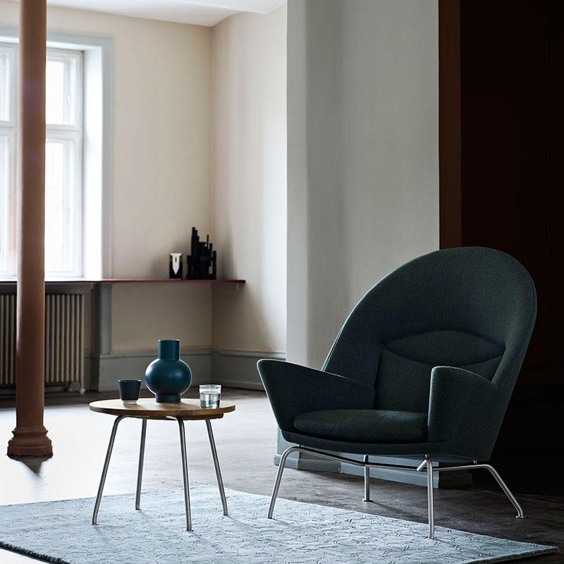 Carl Hansen CH468 Oculus Lounge Chair by Hans Wegner life 1 Olson and Baker - Designer & Contemporary Sofas, Furniture - Olson and Baker showcases original designs from authentic, designer brands. Buy contemporary furniture, lighting, storage, sofas & chairs at Olson + Baker.