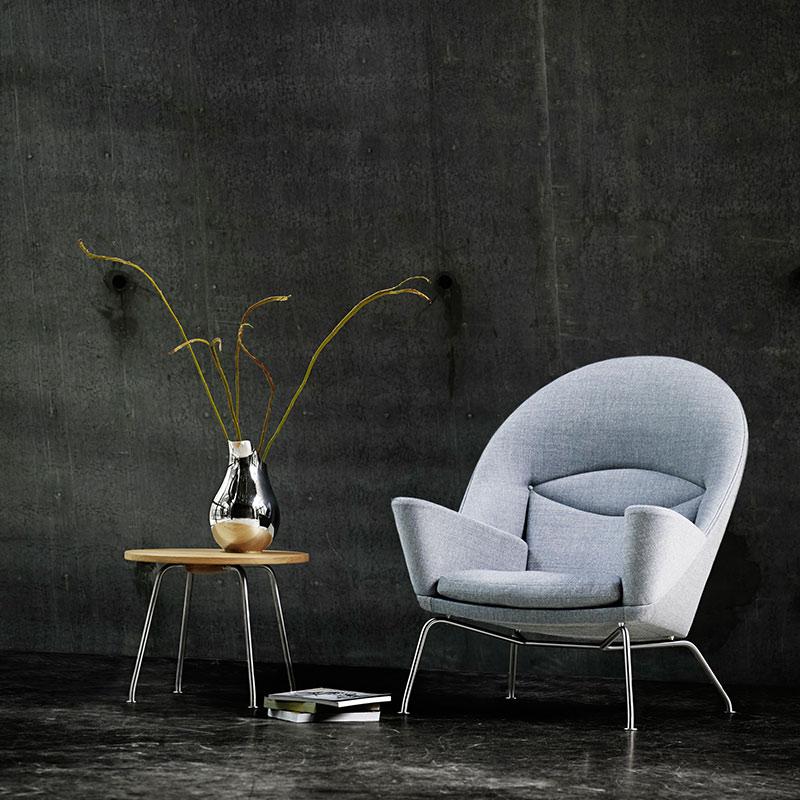 Carl Hansen CH468 Oculus Lounge Chair by Hans Wegner life 2 Olson and Baker - Designer & Contemporary Sofas, Furniture - Olson and Baker showcases original designs from authentic, designer brands. Buy contemporary furniture, lighting, storage, sofas & chairs at Olson + Baker.