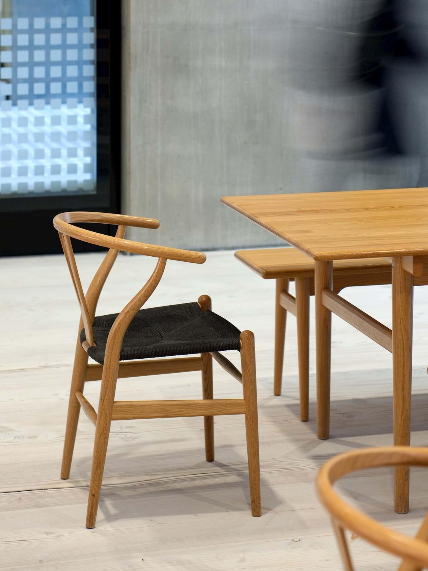 oak wishbone chair