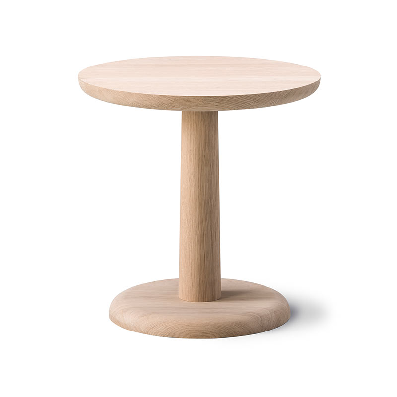 Fredericia Pon Ø40cm Side Table by Jasper Morrison Olson and Baker - Designer & Contemporary Sofas, Furniture - Olson and Baker showcases original designs from authentic, designer brands. Buy contemporary furniture, lighting, storage, sofas & chairs at Olson + Baker.